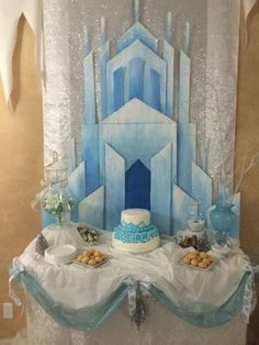 This backdrop is AMAZING for a Frozen birthday party. Frozen 3rd Birthday, Frozen Birthday Party, 4th Birthday Parties, Birthday Party Decorations, Disney Frozen Party, Disney Princess Party, Frozen Decorations, Arctic Decorations, Frozen Castle