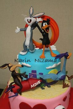 Taz cake My sister made this She is the shizzzz Taz Pinterest