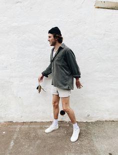 Indie Fashion Men, Indie Men, Vintage Summer Outfits, Summer Outfits Men, Teenage Boy Fashion, Street Style Summer, Mode Streetwear, Foto Pose, Looks Style