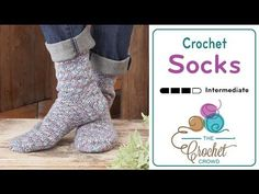 This is a fabulous beginner project for beginners to crochet socks for the entire family. The pattern is provided in 2/4 years, 6/8 years, ladies 5/6, ladies...