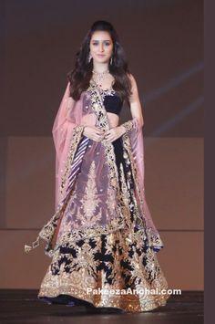 Shraddha Kapoor in Archana Kochar's Velvet Bridal Lehenga Choli at Bullion Summit Fashion Show-PakeezaAnchal.com
