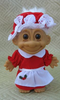 Russ Berrie Christmas Mrs Santa Claus Troll Doll Item 18279