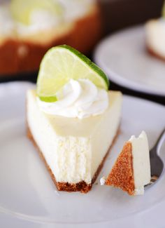 A delicious and simple ultra-creamy key lime cheesecake recipe that is certain to wow anyone who has a slice! Plus, read below for a life-changing tip on baking a no-crack cheesecake without a water bath. Mini Cakes, Cupcake Cakes, Cheesecake Recipes, Dessert Recipes, Key Lime Cheesecake Recipe Easy, Cheesecake Crust, Lemon Cheesecake, Just Desserts, Delicious Desserts