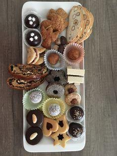 Moje kolaciky Gingerbread Cookies, Desserts, Food, Gingerbread Cupcakes, Tailgate Desserts, Dessert, Postres, Deserts, Meals