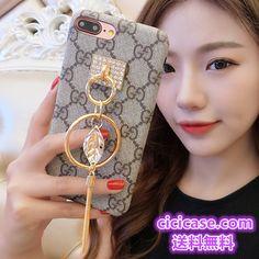 iPhone8 ケース 真珠ストラップ付き グッチGUCCI ブランド