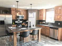Stunning Kitchen Lighting Ideas for Your New Kitchen Kitchen Ikea, Farmhouse Kitchen Cabinets, Kitchen Cabinet Design, Kitchen Flooring, Kitchen Countertops, New Kitchen, Kitchen Decor, Island Kitchen, Kitchen Designs