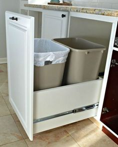How to Make a DIY Pull Out Trash Can - A genius kitchen storage solution…hidden trash/recycle bins with full extension drawer slides Kitchen Storage Solutions, Diy Kitchen Storage, Kitchen Drawers, Diy Storage, Kitchen Organization, Storage Ideas, Hidden Storage, Recycling Storage, Kitchen Cabinets