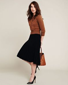 Trendiest women business skirt outfits modest you need to know 4 – empyreandivine Mode Outfits, Office Outfits, Chic Outfits, Fall Outfits, Fashion Outfits, Womens Fashion, Office Attire, Office Wear, Fashion Clothes
