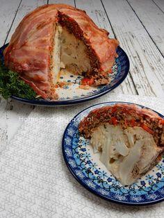 Een ontzettend leuk recept om te maken is bloemkool met gehakt en spek uit de oven. Helemaal niet veel werk maar erg lekker en een feestje om te serveren.
