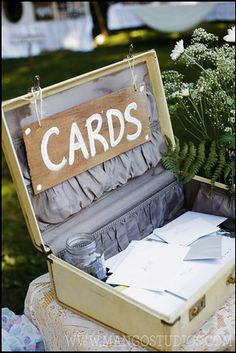 how about a vintage suitcase for your cards?! cutest idea!    #mangostudios #photography #toronto #wedding #vintage #old #antique #cards #reception #details #diy