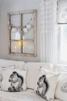 I love old Windows Old Window Decor, Living Spaces, Living Room, Interior Decorating, Interior Design, Old Windows, Shabby Chic, Ladder Decor, Sweet Home
