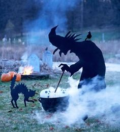 Wicked Witch Silhouette - this life-size outdoor witch statue stirring a cauldron full of pumpkin heads is sure to draw attention to your yard on Halloween. Get our free witch pattern and learn how to make the statue from plywood and black paint. Diy Halloween, Halloween Designs, Outdoor Halloween, Halloween Outfits, Holidays Halloween, Happy Halloween, Halloween Clothes, Costume Halloween, Scary Halloween Yard