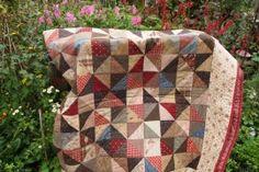 Driehoekjes quilt  gemaakt door Atelier Bep