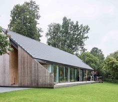 Family House in Pavilnys,© Norbert Tukaj