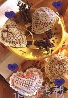 sachets coeur - several heart shapes sachets with chart