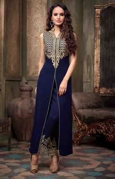 USD 56.52 Navy Blue Georgette Pakistani Style Suit 54420