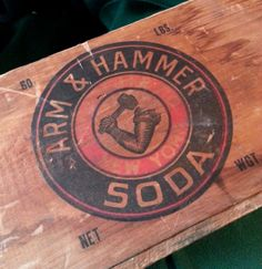 Antique Arm & Hammer Soda Box With Original Paper Label - Large Turn Of The Century Dovetail Box Arm And Hammer Soda, Vintage Wood, Vintage Antiques, Dovetail Box, Used Car Lots, Weekend House, Diy Garden Decor, Kitchen Stuff, Antique Items