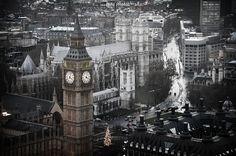 A rainy day in London at Christmas by trevorbrucki, via Flickr