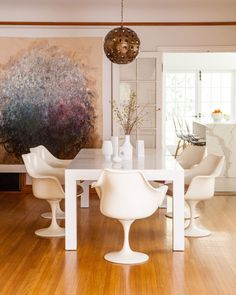 The white dining table is a midcentury Milo Baughman purchased on Craigslist. The Tulip chairs are by Eero Saarinen. Casa Estilo Tudor, Decoracion Vintage Chic, French Country Dining Room, White Dining Table, Dining Tables, Dining Area, Kitchen Dining, Sweet Home, Tudor Style Homes