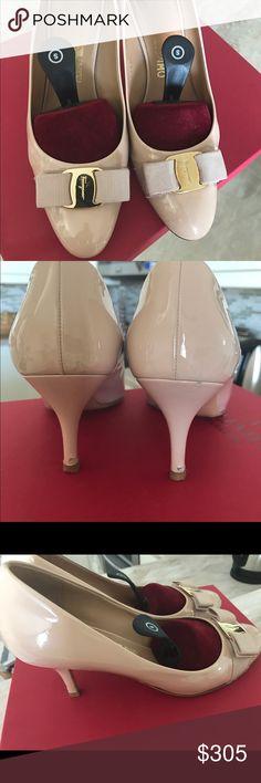 Salvatore Ferragamo Carla nude pumps 8.5 Classic Salvatore Carla pump. 7cm heel. Gros grain bow. Worn but in vet good condition. Salvatore Ferragamo Shoes Heels