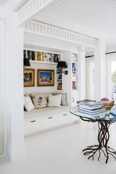Looking for modern hamptons style beach house inspiration? Here, a gallery of hamptons inspired bedrooms, kitchens, living rooms, decor and weatherboard facades to inspire your next build. Hamptons Style Decor, The Hamptons, Cosy Corner, Luxury Duvet Covers, Cozy Bed, Chic, House Design, Design Design, Living Rooms