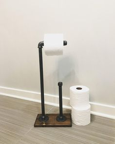 SQUARE FREE STANDING TOILET ROLL HOLDER STACKER WOODEN BAMBOO BASE BATHROOM