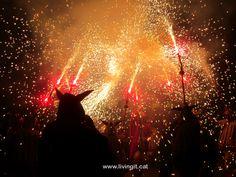 www.livingit.cat #tour #catalonia #barcelona #specialtour #uniquetour #tradition #culture #experience #spain #onedaytour #smallgrouptour #meetlocals #greatexperience #blast #itsamust #fun #crazy #quality #livingit_cat #firerunningexperience #devils #villages #smalstreets #fire #firerunning