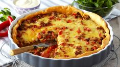 Oppskrift på en god pai som passer for hele familien. Tacopai er et godt alternativ til fredagstacoen. Food N, Food And Drink, Norwegian Food, Norwegian Recipes, Main Meals, Macaroni And Cheese, Nom Nom, Tacos, Cooking Recipes