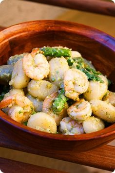 Shrimp Asparagus Pesto Gnocchi  http://www.thecomfortofcooking.com/2011/05/gnocchi-with-shrimp-asparagus-and-basil-pesto.html
