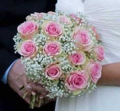 Wedding Forest – – - New Site Simple Bridesmaid Bouquets, Silk Wedding Bouquets, Bride Bouquets, Flower Bouquet Wedding, Floral Bouquets, Wedding Reception Centerpieces, Garland Wedding, Diy Wedding Decorations, Burgundy Wedding Flowers