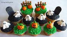 Halloween Pumpkin Patch and Graveyard Cupcakes Halloween Snacks, Halloween Cupcakes, Halloween Kitchen, Holidays Halloween, Halloween Pumpkins, Halloween Decorations, Samhain Halloween, Cake Decorations, Halloween Stuff