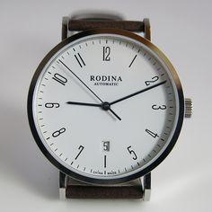 Rodina ST2130. Near perfect homage of $1000 Stowa Antea 390 A10.  $189.  Uses Sea-Gull mechanical movement.  Great option.