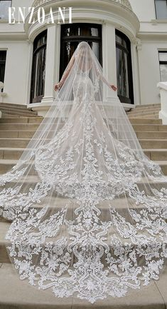 The perfect cathedral veil with the MARIANNA veil. The perfect cathedral veil with the MARIANNA veil. Source by enzoani - Wedding Veils With Hair Down, Wedding Dress With Veil, Wedding Dress Train, Long Wedding Dresses, Bridal Dresses, Wedding Gowns, Bridal Veils, Long Wedding Veils, Bling Wedding