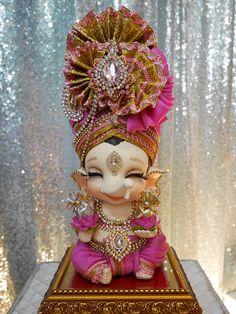 Shri Ganesh Images, Ganesh Chaturthi Images, Happy Ganesh Chaturthi, Ganesha Pictures, Radha Krishna Pictures, Jai Ganesh, Ganesh Lord, Ganesh Idol, Bal Hanuman