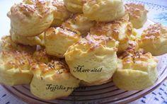 Tejfölös pogácsa recept fotóval My Recipes, Gourmet Recipes, Cake Recipes, Hungarian Recipes, Hungarian Food, Potato Salad, Cauliflower, Bakery, Muffin