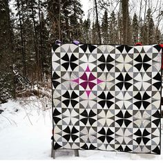 Happy snow everyone. I hear the west coast is getting blasted with snow and I am just a teeny bit jealous. Here is another amazing example of a Chic Country quilt. This fabulous quilt was made by @practicaldazzle. #chiccountryquilt #southernfabric #quilting