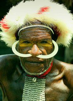 Indonesia | Baliem Valley of Western New Guinea | © Monique Vos.....................lbxxx,