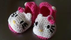 Hello Kitty baby booties