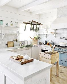 One of my must finds on my shopping list for France is vintage lights for the kitchen.