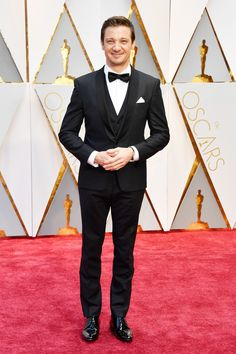Jeremy Renner Photos Photos - Actor Jeremy Renner attends the 89th Annual Academy Awards at Hollywood & Highland Center on February 26, 2017 in Hollywood, California. - 89th Annual Academy Awards - Arrivals