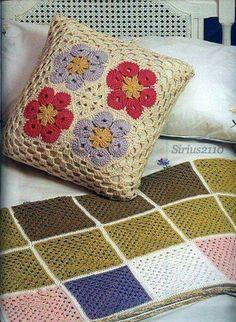 decorative pillows with sayings on them Crochet Cushion Cover, Crochet Cushions, Crochet Crafts, Crochet Projects, Crochet Home Decor, Crochet Borders, Crochet Patterns, Confection Au Crochet, Crochet Patron