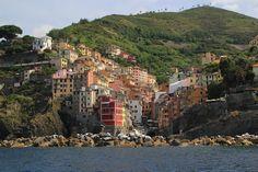 La increíble Riomaggiore desde el mar