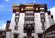 Tibet Architecture - Picture of a Typical Residence