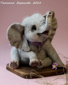 My name is Tatyana. I live in Russia, in the beautiful city of St. Since I engaged in manufacturing animal wool needle felting technique. My love for animals became the main source of my inspiration. Wool Needle Felting, Needle Felting Tutorials, Needle Felted Animals, Felt Animals, Cute Baby Animals, Baby Hedgehog, Felt Toys, Felt Art, Baby Elephant