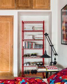 Inspiração express: estantes e cabeceiras pra mudar a cara do seu quarto!