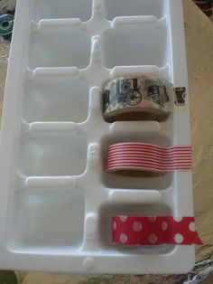 Washi tape storage in ice cube trays: Genius and cheap. Scrapbook Storage, Scrapbook Organization, Craft Organization, Washi Tape Cards, Masking Tape, Washi Tape Diy, Diy Washi Tape Storage, Washi Tapes, Tapas