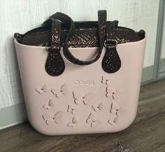 O Bag, Wallets, Clock, Italy, Handbags, Fashion Outfits, Stitch, Purses, My Style