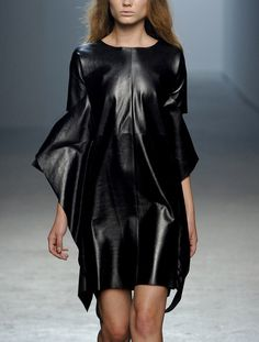 styletrove:  RUNWAY LOVE: Leather tunic dress @Cushnie et Ochs.