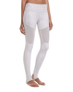 VARLEY HILLCREST STIRRUP PYTHON PERFORMANCE LEGGINGS, WHITE PATTERN. #varley #cloth #