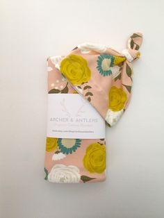 Newborn set, organic cotton swaddle blanket and newborn knott hat by ArcherandAntlers on Etsy